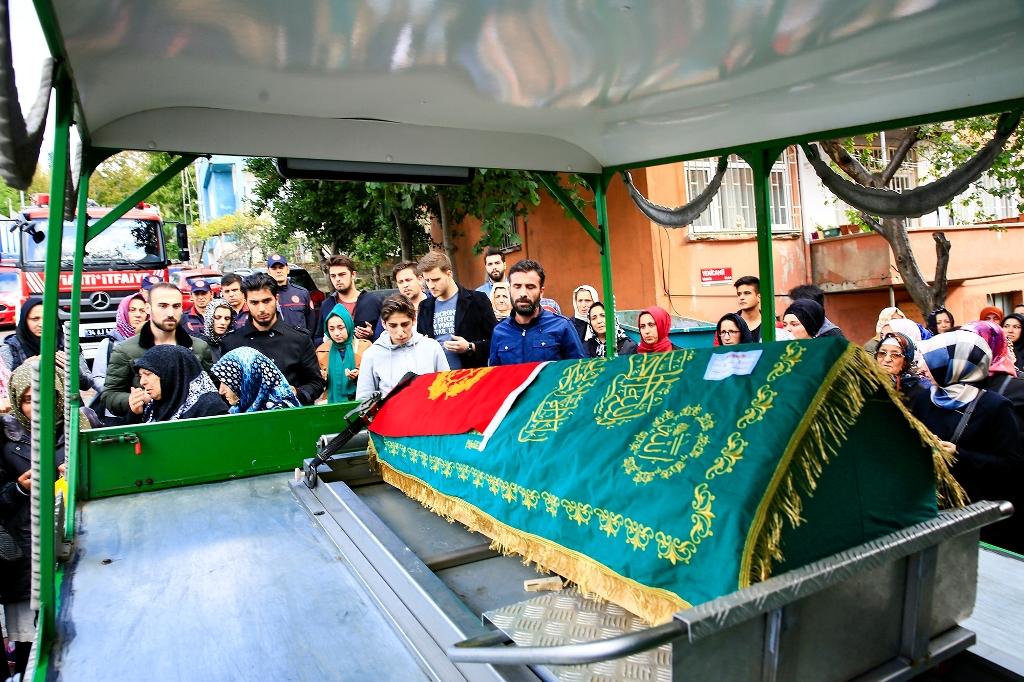 İstanbul İtfaiyesinden Küçük Aliye Vefa... - Haberler - İstanbul İtfaiyesi