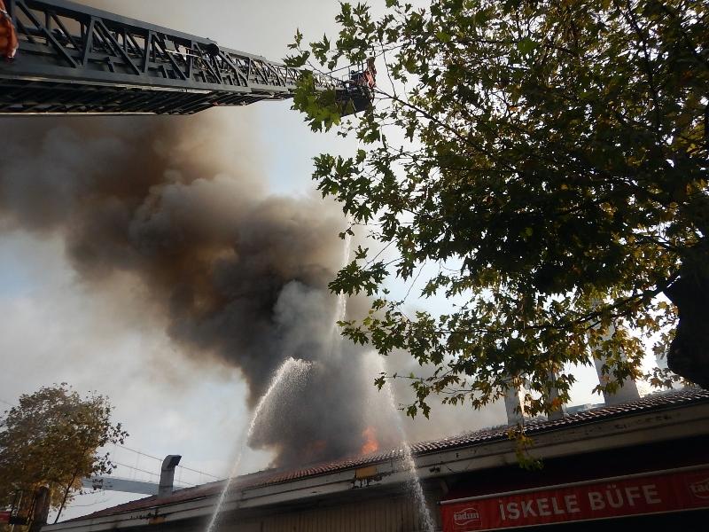 Sarıyerde restoran yangını - Haberler - İstanbul İtfaiyesi