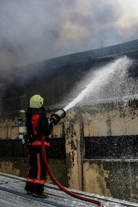 Beylikdüzünde fabrika yangını - Haberler - İstanbul İtfaiyesi