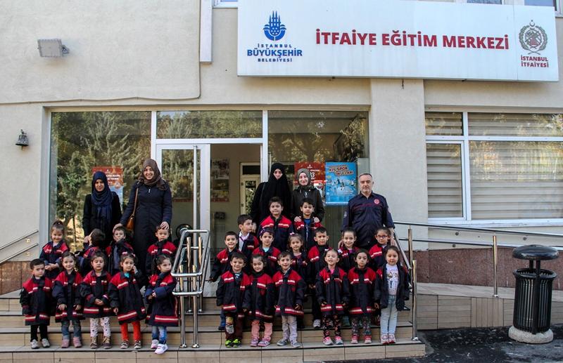 İstanbul İtfaiyesi 24 Anaokulu öğrencisine daha eğitim verdi - Haberler - İstanbul İtfaiyesi