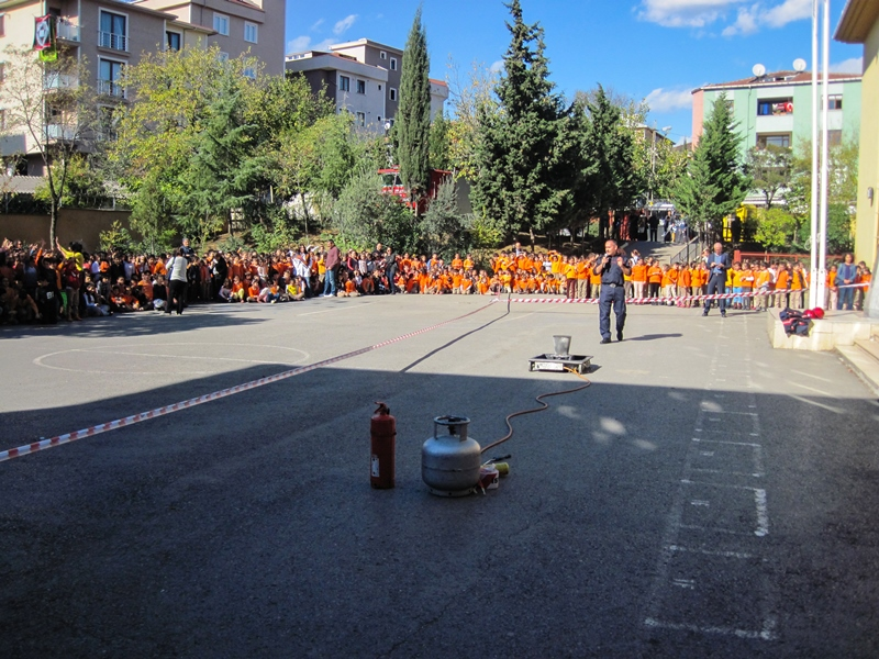 303 yıllık tecrübemizi, gençlerimize aktarıyoruz - Haberler - İstanbul İtfaiyesi