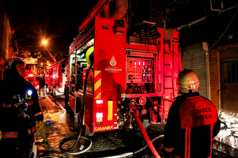 Beyoğlunda ikametgah yangını - Haberler - İstanbul İtfaiyesi