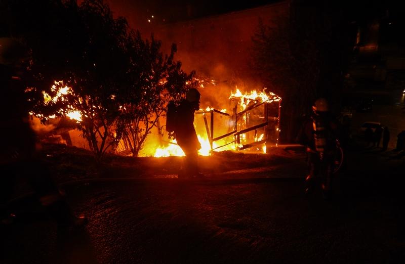 Sultanbeylide gece kondu yangını - Haberler - İstanbul İtfaiyesi