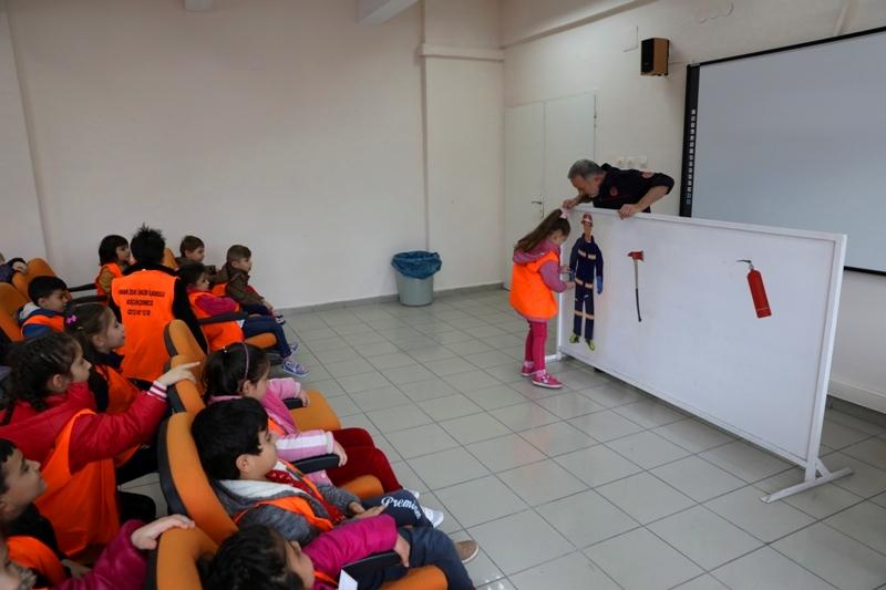 İstanbul İtfaiyesi 22 Anaokulu öğrencisine daha eğitim verdi - Haberler - İstanbul İtfaiyesi