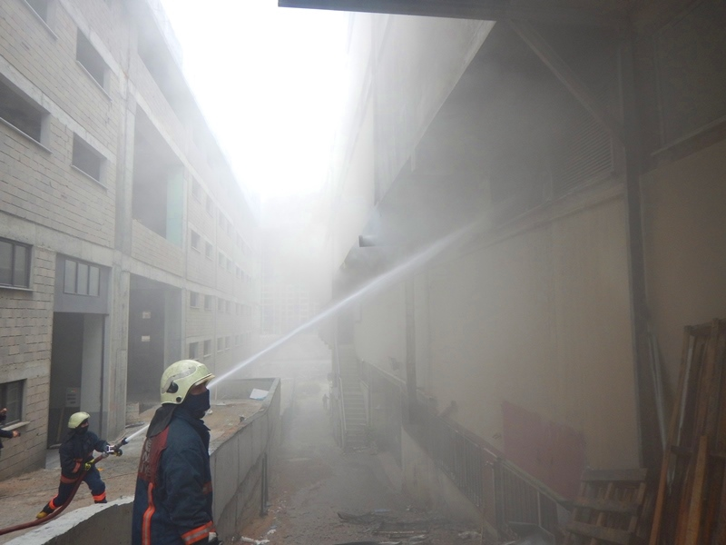 Beylikdüzünde iş yeri yangını - Haberler - İstanbul İtfaiyesi