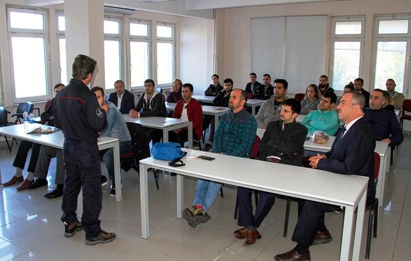 Kamu kurumlarına ve sanayi kuruluşlarına yangın güvenliği eğitimlerimiz devam ediyor - Haberler - İstanbul İtfaiyesi