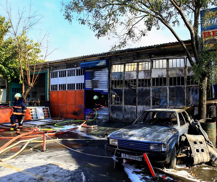 Bağcılar-Güngören Sanayi Sitesinde işyeri yangını - Haberler - İstanbul İtfaiyesi