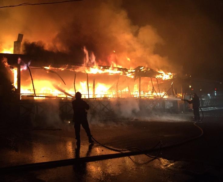 Beykozda iş yeri yangını - Haberler - İstanbul İtfaiyesi