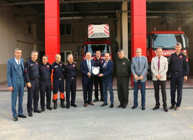 Eyüpsultan Belediye Başkanı Sayın Remzi Aydın Kemerburgaz İtfaiye istasyonumuzu ziyaret etti - Haberler - İstanbul İtfaiyesi