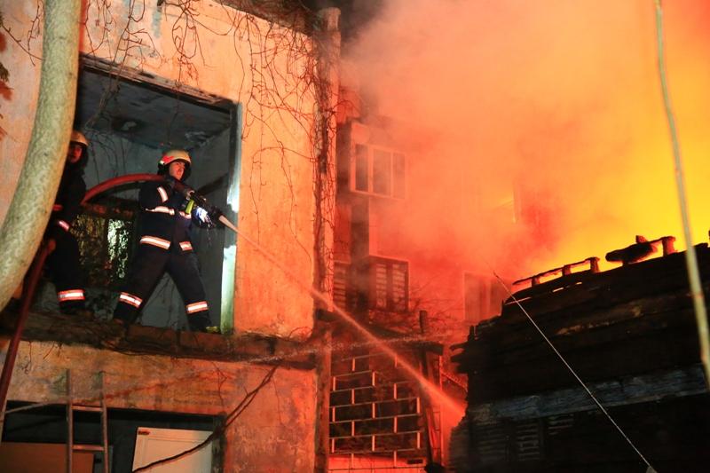 Kadıköyde gecekondu yangını - Haberler - İstanbul İtfaiyesi