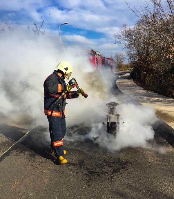 Şile otoyolunda araç yangını - Haberler - İstanbul İtfaiyesi