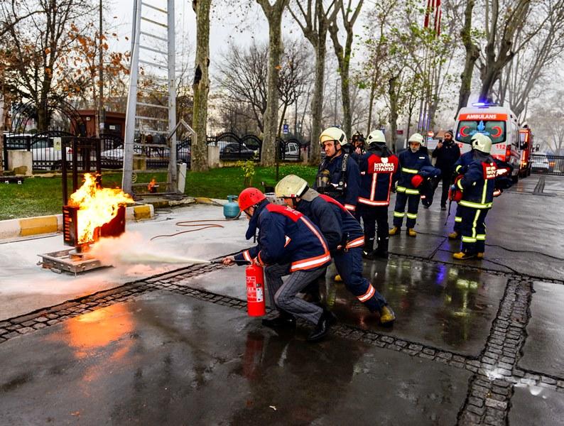 Yangın ve kurtarma tatbikatı gerçekleştirdik - Haberler - İstanbul İtfaiyesi