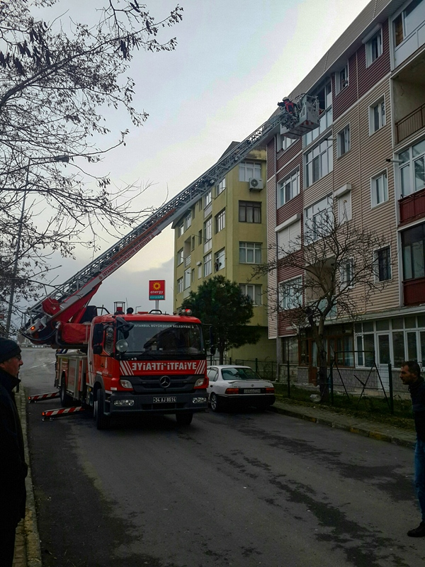 Selimpaşada ikametgah yangını - Haberler - İstanbul İtfaiyesi