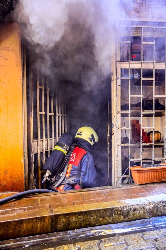 Çanta imalathanesinde yangın - Haberler - İstanbul İtfaiyesi