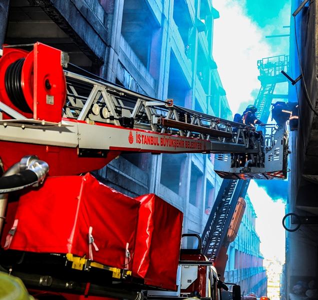 Zeytinburnunda iş yeri yangını - Haberler - İstanbul İtfaiyesi