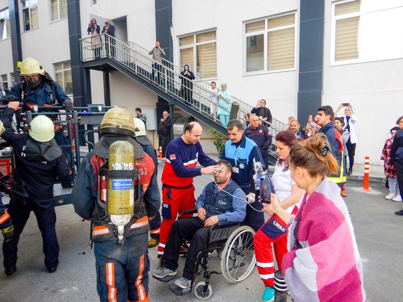 Bayrampaşa Devlet Hastanesinde yangın tatbikatı gerçekleştirdik - Haberler - İstanbul İtfaiyesi