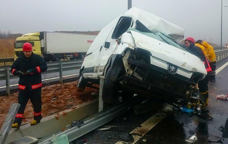 Beykozda trafik kazası - Haberler - İstanbul İtfaiyesi