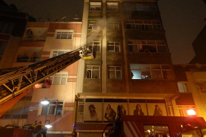 Zeytinburnunda ikametgah yangını - Haberler - İstanbul İtfaiyesi