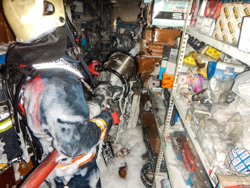 Esenyurtta işyeri yangını - Haberler - İstanbul İtfaiyesi