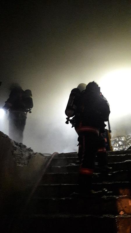 Gaziosmanpaşada işyeri yangını - Haberler - İstanbul İtfaiyesi