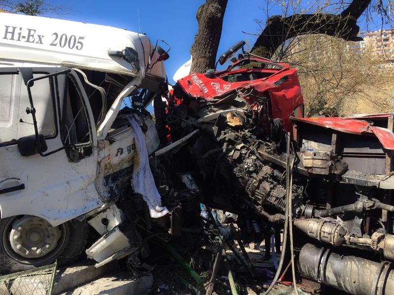 Eyüpte trafik kazası  - Haberler - İstanbul İtfaiyesi