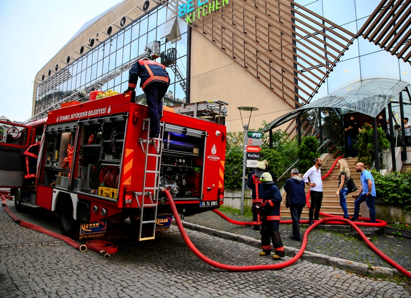 Shopping Mall Fire In Ortak 246 Y News Istanbul Fire