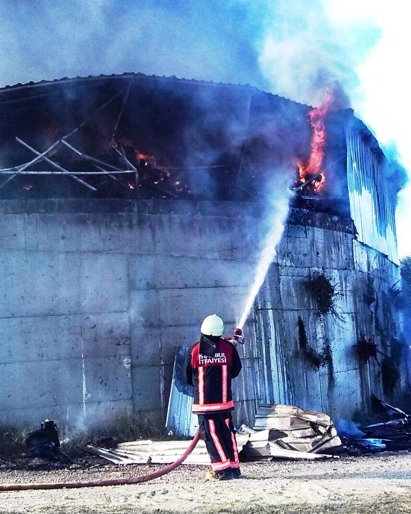 Çatalcada iş yeri yangını - Haberler - İstanbul İtfaiyesi