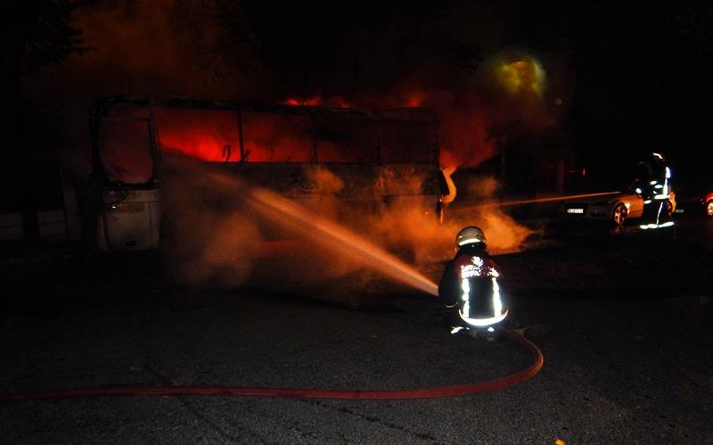 Avcılarda araç yangını - Haberler - İstanbul İtfaiyesi