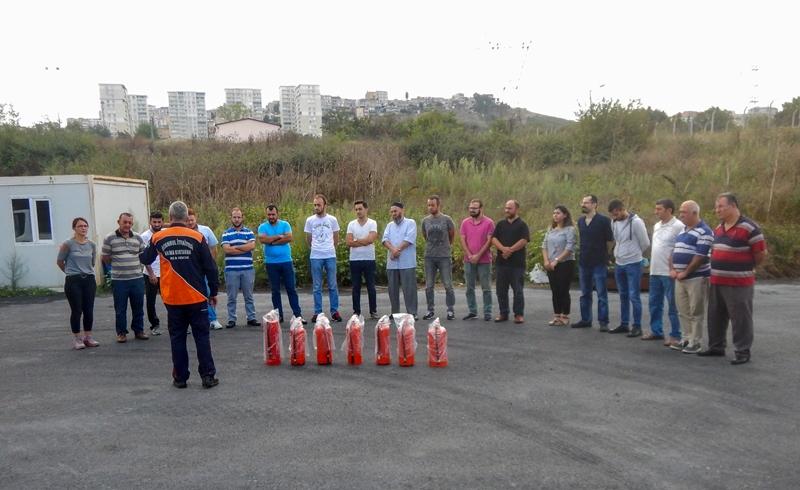 Kamu kurumları ve sanayi kuruluşlarına yangın güvenliği eğitimlerimiz devam ediyor - Haberler - İstanbul İtfaiyesi