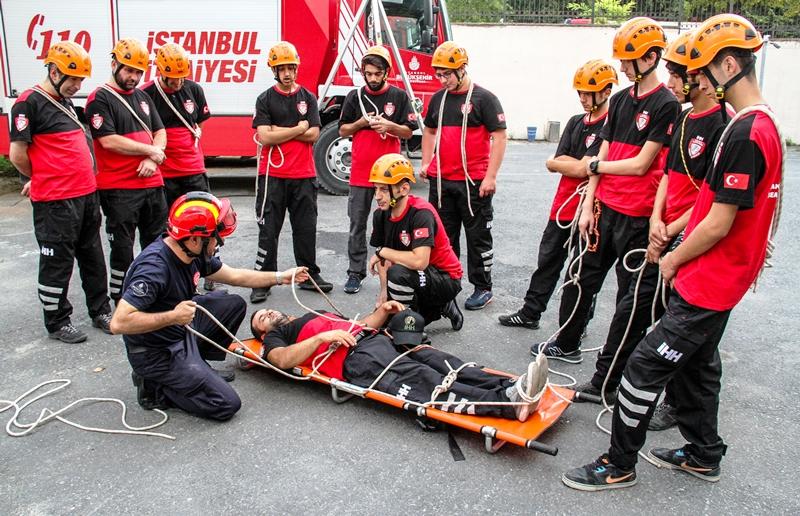 İstanbul İtfaiyesi eğitimde hız kesmiyor - Haberler - İstanbul İtfaiyesi