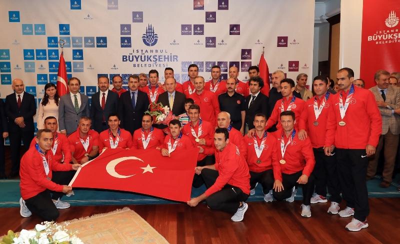 Topbaş: İstanbul İtfaiyesi dünyanın en iyileri arasında - Haberler - İstanbul İtfaiyesi