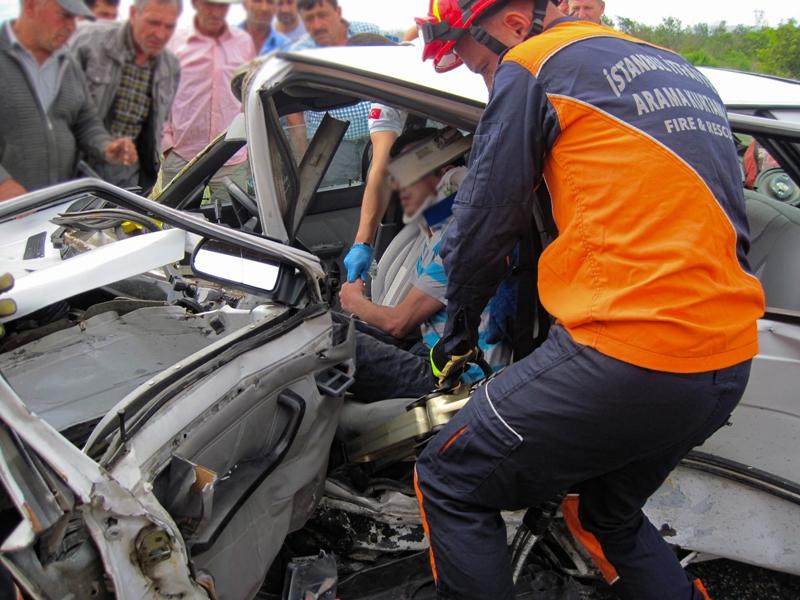 Silivride trafik kazası - Haberler - İstanbul İtfaiyesi