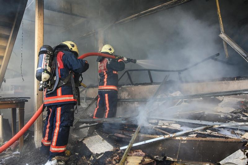 Eyüpte yangın - Haberler - İstanbul İtfaiyesi