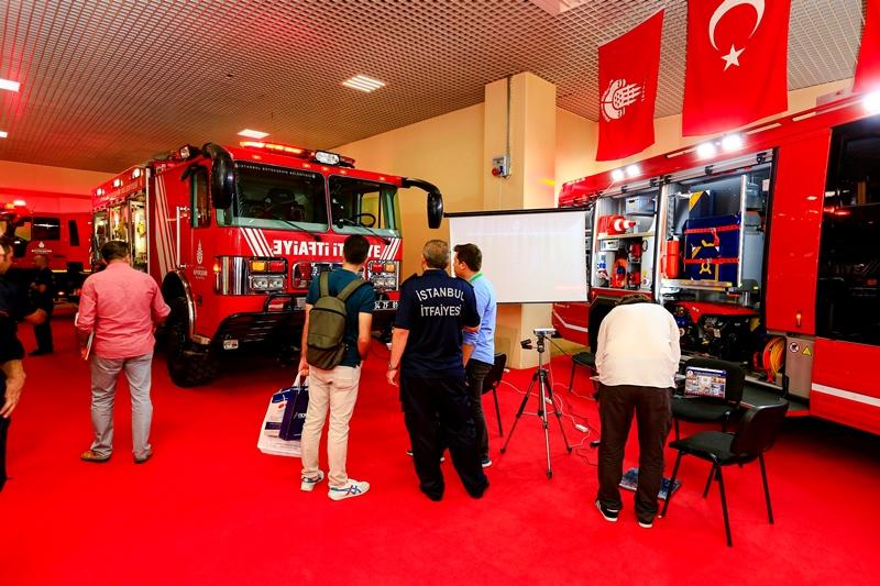 İstanbul İtfaiyesi İSAF fuarında - Haberler - İstanbul İtfaiyesi