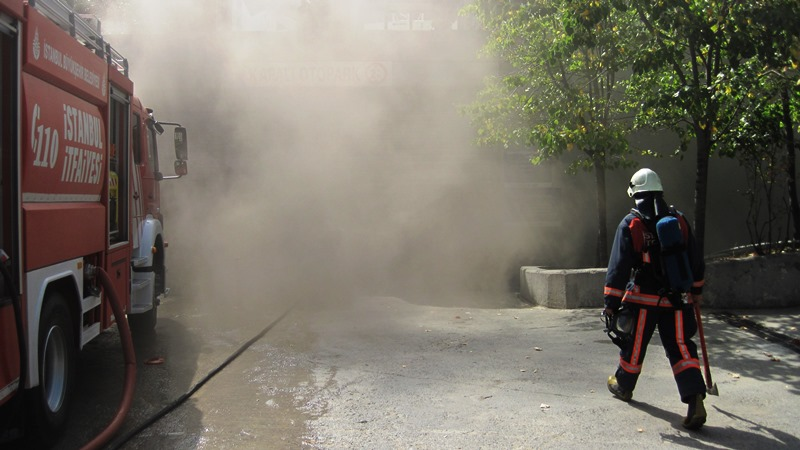 Yangına Müdahale Robotumuz iş başında - Haberler - İstanbul İtfaiyesi