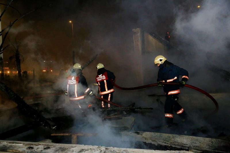 Bakırköyde restoran yangını - Haberler - İstanbul İtfaiyesi