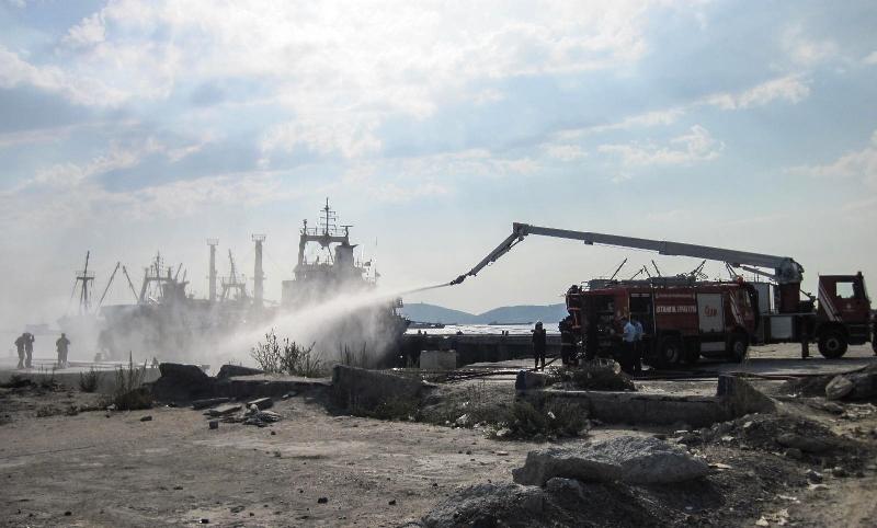 Kartalda gemi yangını - Haberler - İstanbul İtfaiyesi