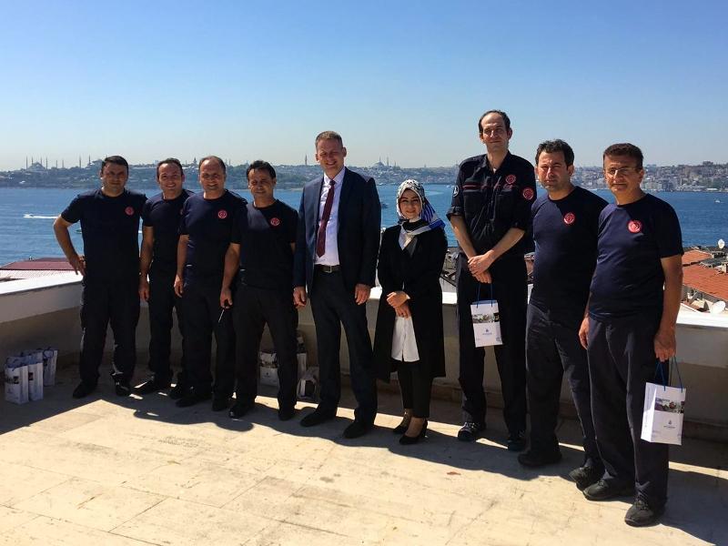 İBB Halkla İlişkiler Müdürlüğünden anlamlı ziyaret - Haberler - İstanbul İtfaiyesi