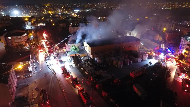 Arnavutköyde fabrika yangını - Haberler - İstanbul İtfaiyesi