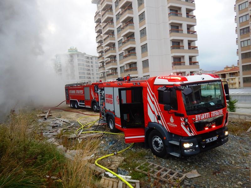 Esenyurtta baraka yangını - Haberler - İstanbul İtfaiyesi