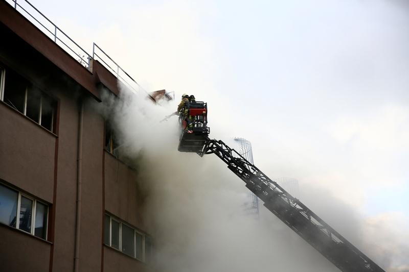 Başakşehirde iş yeri yangını - Haberler - İstanbul İtfaiyesi