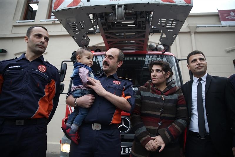 Küçük Bünyamin kahramanlarıyla buluştu - Haberler - İstanbul İtfaiyesi