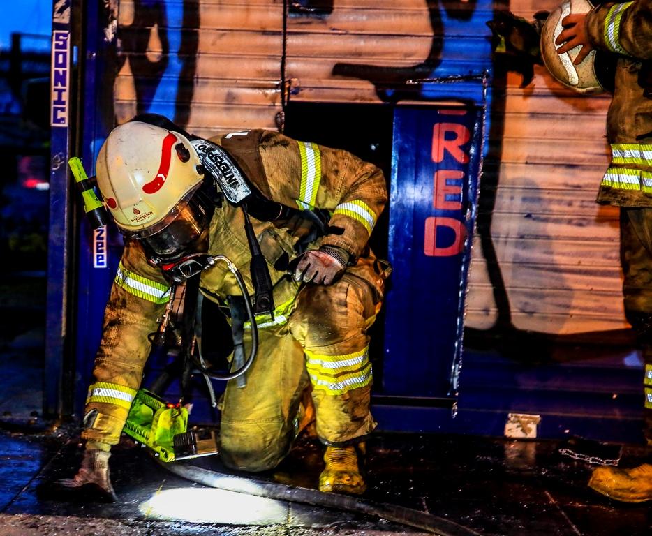 Beyoğlunda iş yeri yangını - Haberler - İstanbul İtfaiyesi