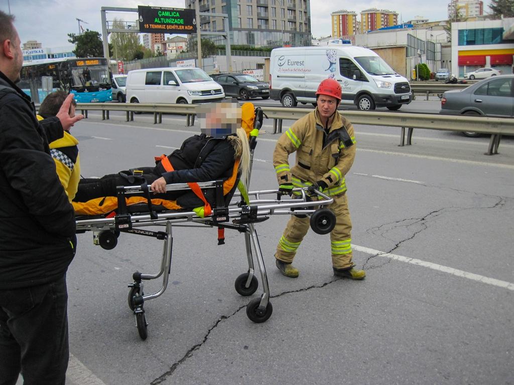 Kartalda trafik kazası - Haberler - İstanbul İtfaiyesi