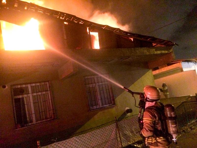 Aydınevlerde ikametgah yangını - Haberler - İstanbul İtfaiyesi