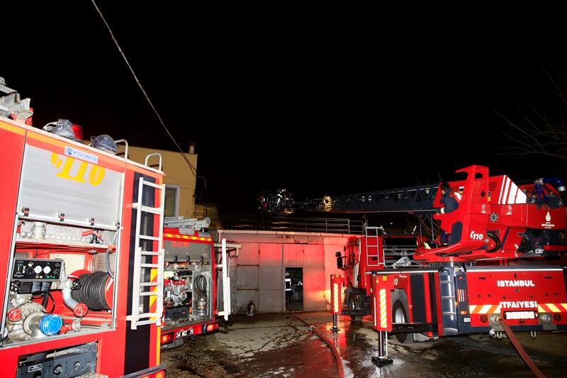Kartalda fabrika yangını - Haberler - İstanbul İtfaiyesi