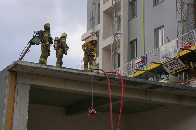 Bağcılarda dış cephe yangını - Haberler - İstanbul İtfaiyesi