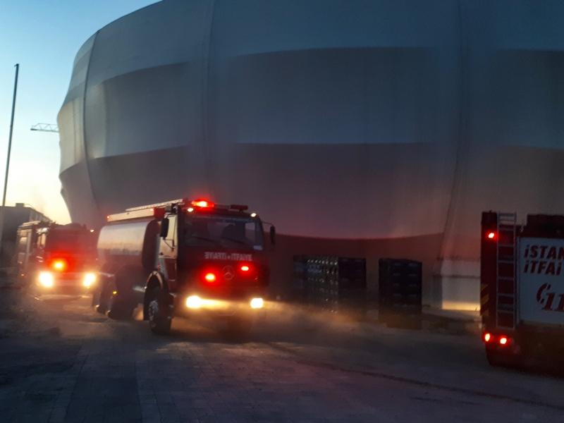 Esenyurtta konteyner yangını - Haberler - İstanbul İtfaiyesi