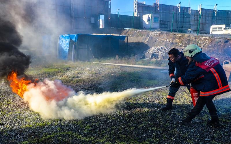 İstanbul İtfaiyesi eğitimlerine devam ediyor - Haberler - İstanbul İtfaiyesi