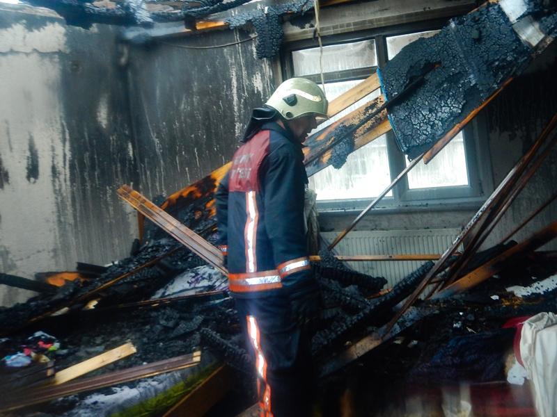 Sultanbeylide ikametgah yangını - Haberler - İstanbul İtfaiyesi